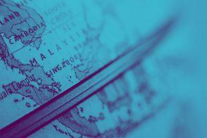 Fim de ano quase aí e as viagens começam a tomar forma no nosso imaginário. Entre tantas ideias de destinos, quem será sua companhia ou até o clima que você quer curtir, o planejamento financeiro não pode ser esquecido.